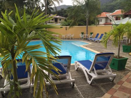 Swimming pool Coco D'or Hotel Seychelles