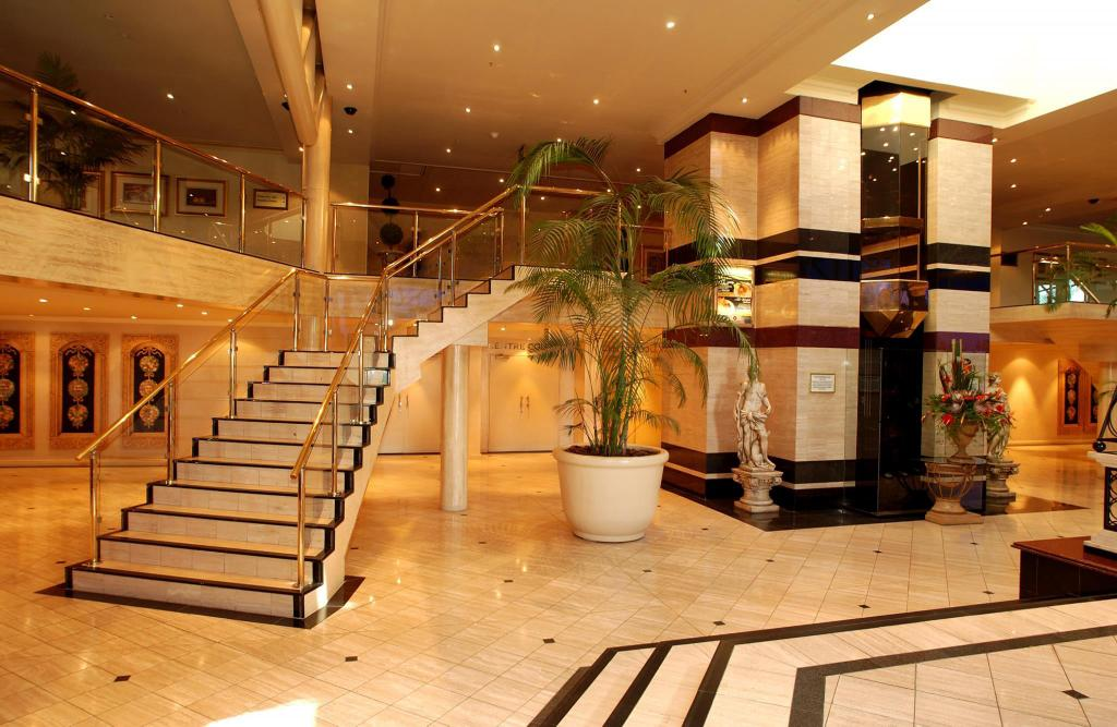 Hall Peermont Metcourt Suites at Emperors Palace Johannesburg