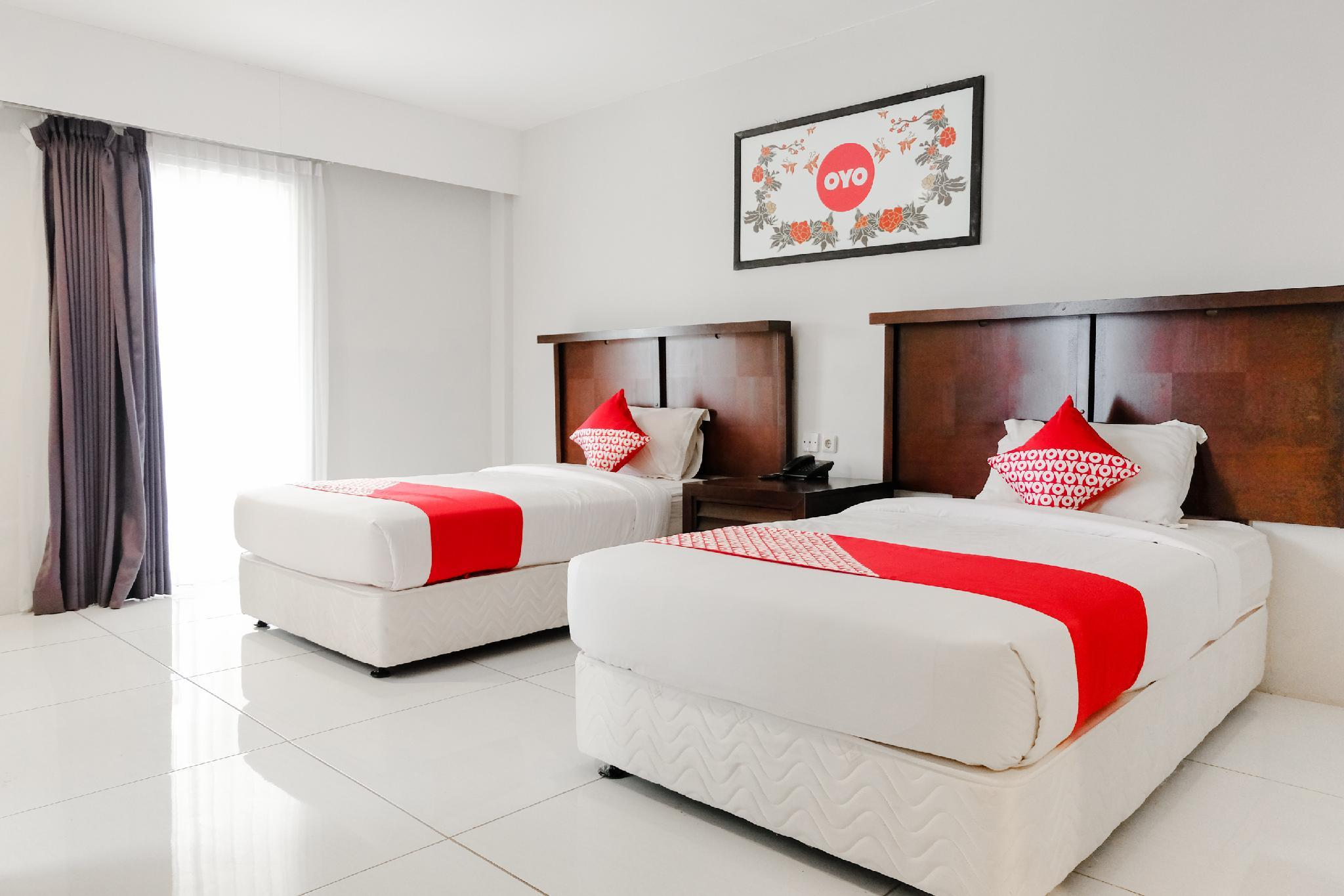 Capital O 892 Grand Pujon View Hotel And Resort In Malang Room Deals Photos Reviews