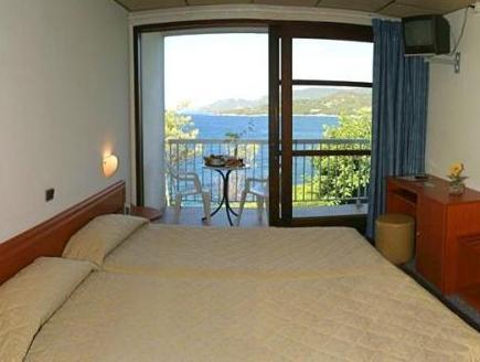 Roc Double Room with sea and garden view