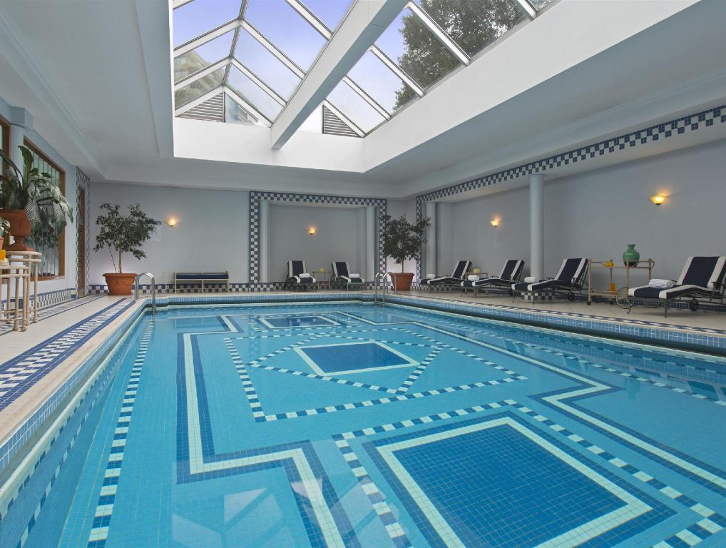 Swimming pool San Cristobal Tower a Luxury Collection Hotel Santiago
