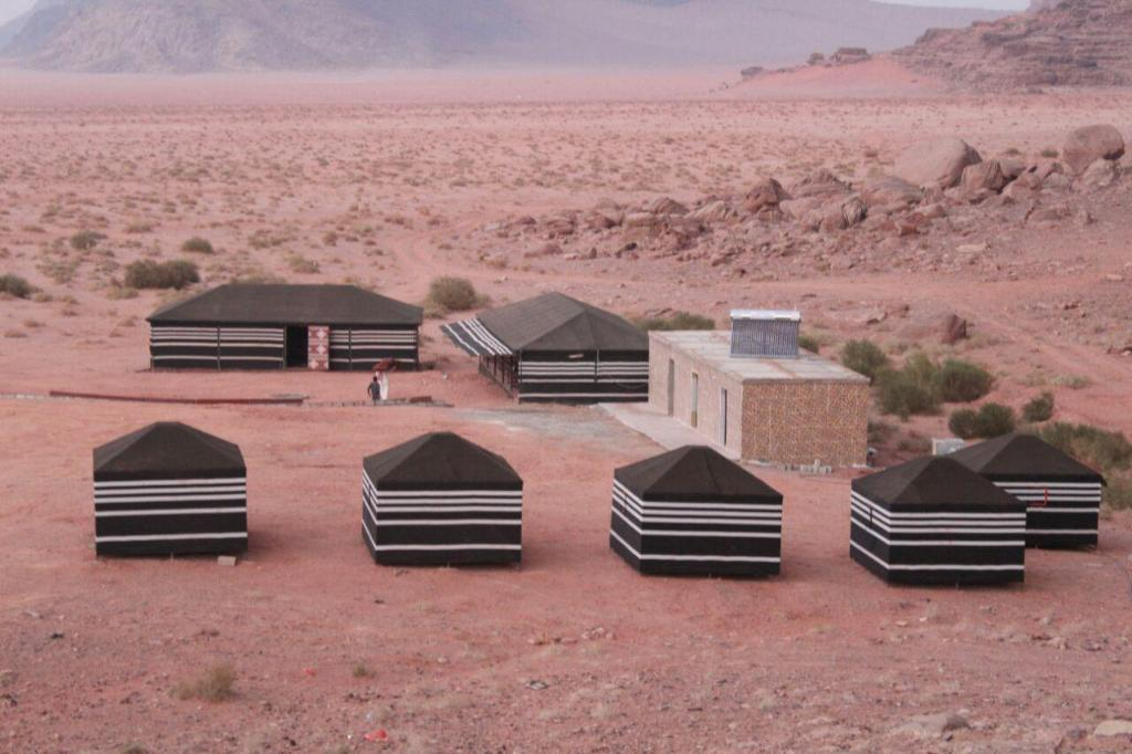 Wadi Rum Quiet Village Camp