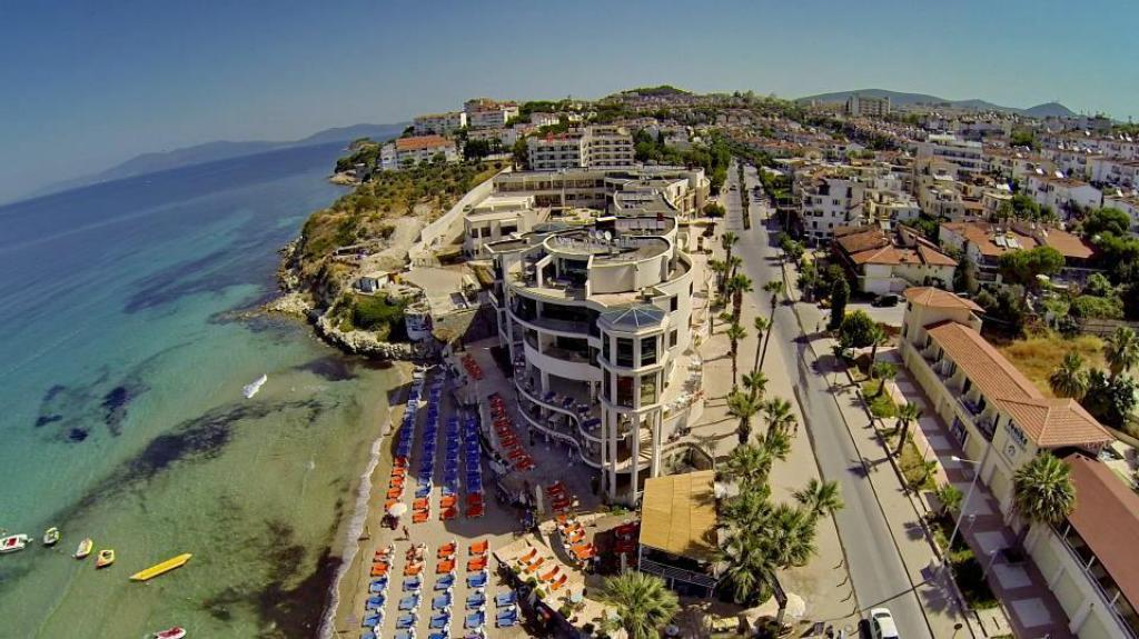 Lobby Ladies Beach Residence