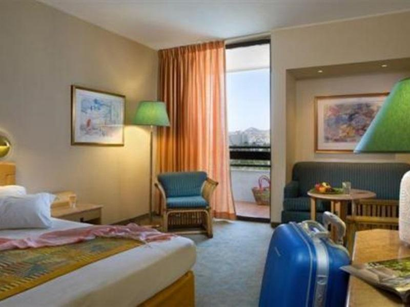 Ģimenes Deluxe klases numurs ar kalnu skatu (Family Deluxe Mountain View Room)