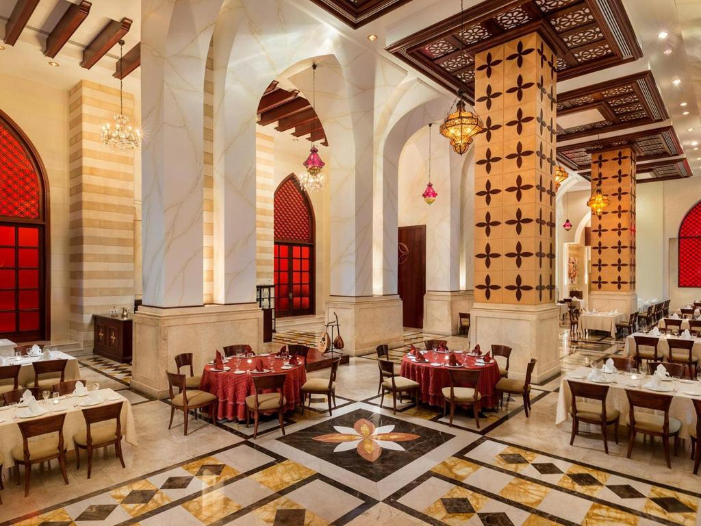 Interior view Emirates Palace Hotel