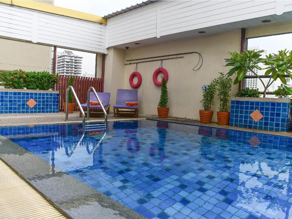 Swimming pool Citadines Sukhumvit 16 Bangkok