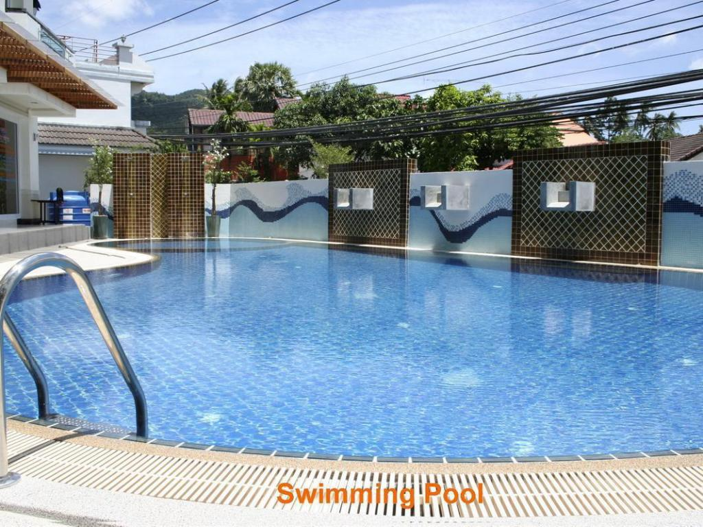 Swimming pool First Residence Hotel
