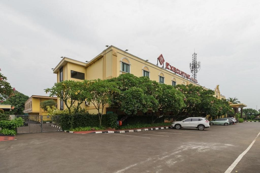 Reddoorz Plus Near Dunia Fantasi Ancol Hotel Jakarta Deals Photos Reviews