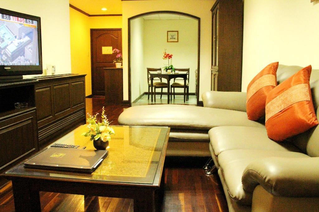 Suite Business - Kamar Suite Yellow Ribbon Hills Boutique Suites