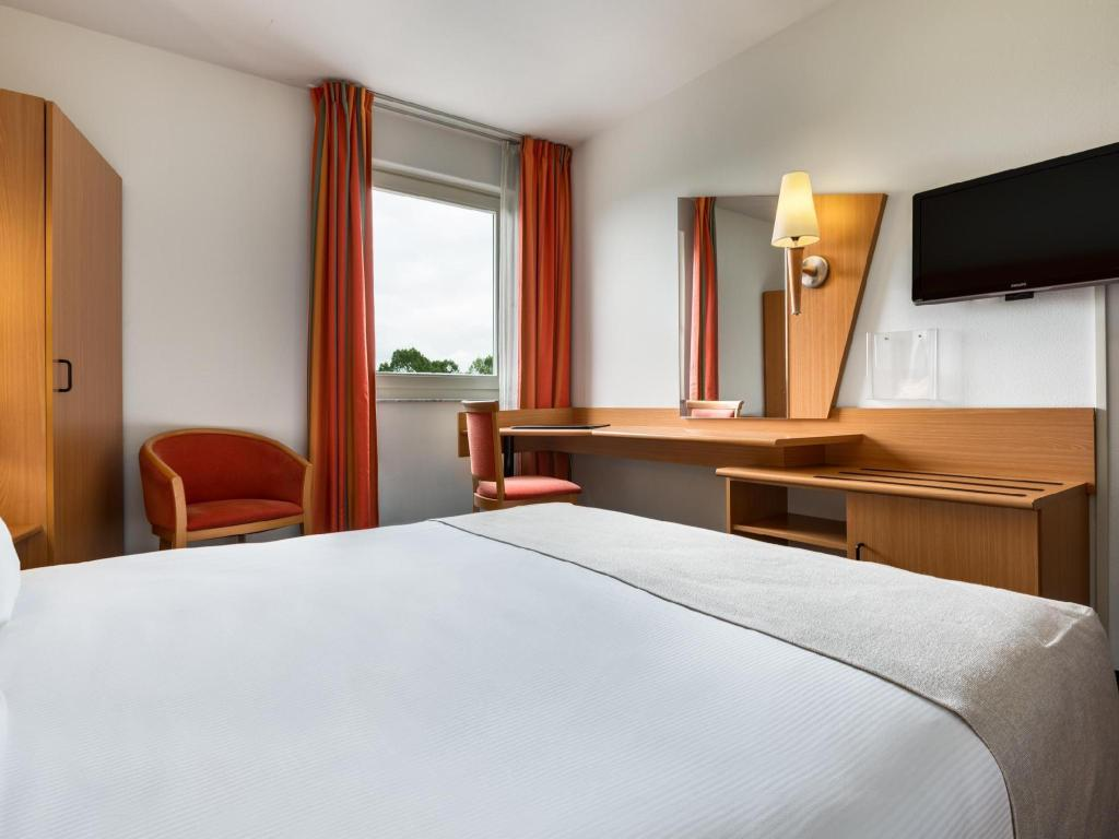 Basic Double - Bed Nh Best Hotel
