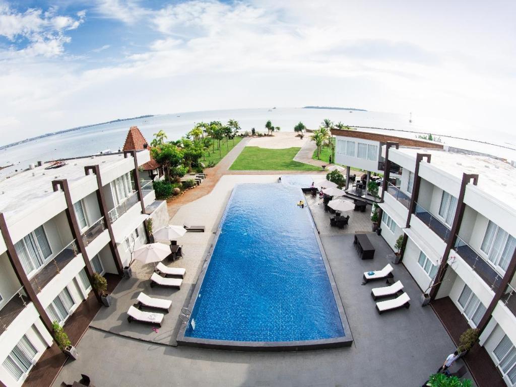 D Season Premiere Hotel Bandengan Jepara Room Deals