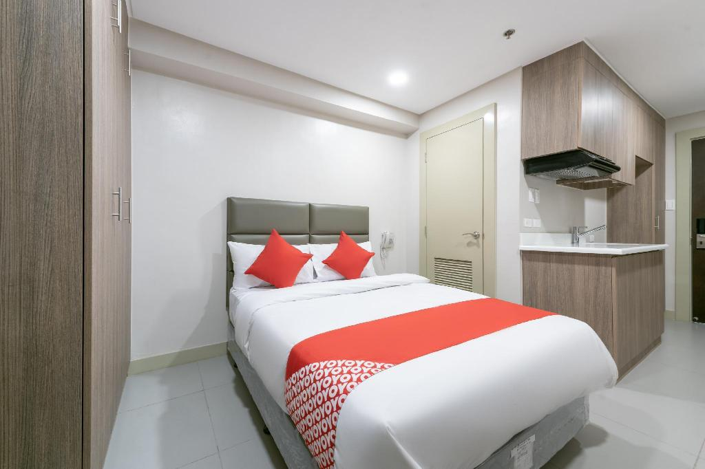 Standard Double Room - View OYO 203 Lelita Hotel