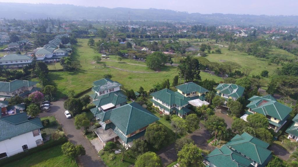 Puncak Resort Drive 272 (Puncak Resort Drive 272 By Aryaduta)