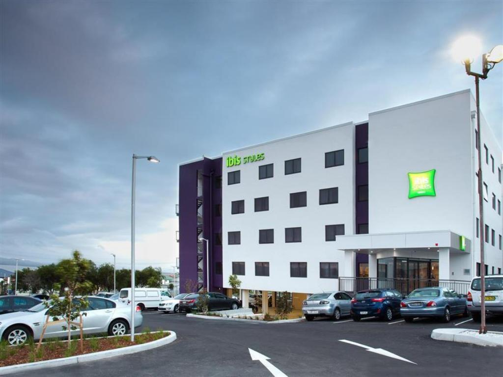 Ibis Styles The Entrance Hotel