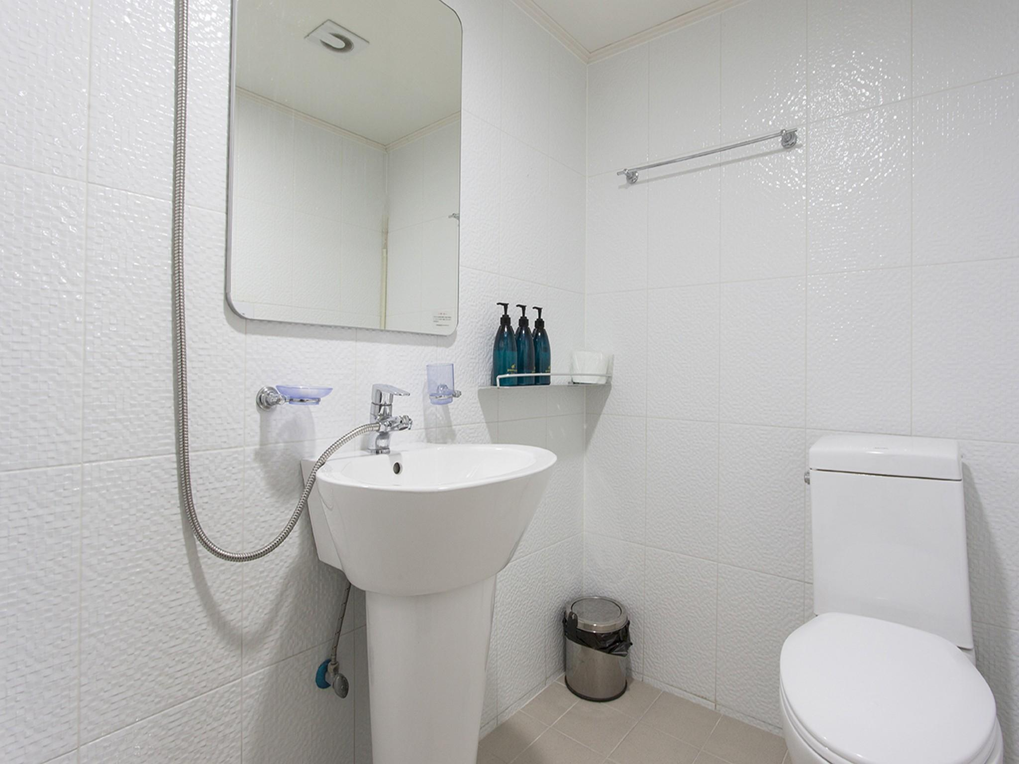 Itaewon washroom