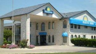 Days Inn by Wyndham San Antonio