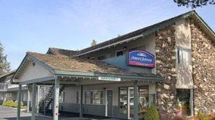 Howard Johnson by Wyndham South Lake Tahoe