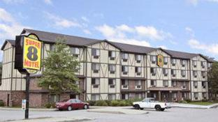 Super 8 By Wyndham Groton