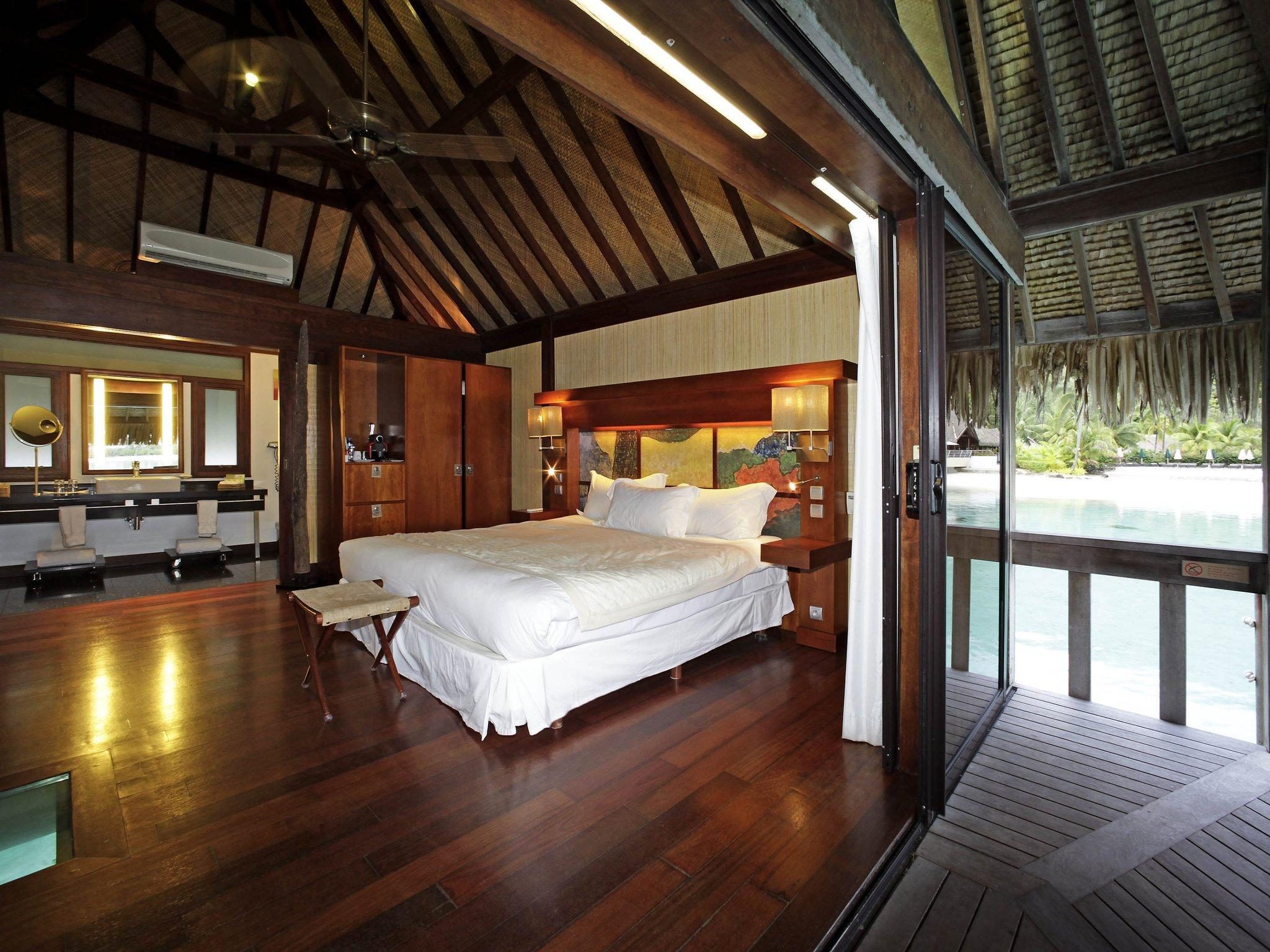 Superior Overwater Bungalow 1 King Bed