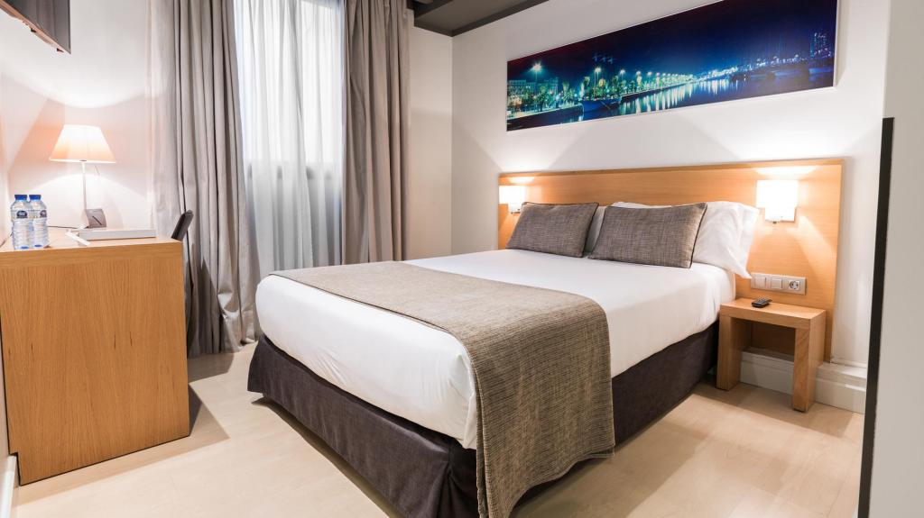Small Double Room - Guestroom Arc La Rambla Hotel