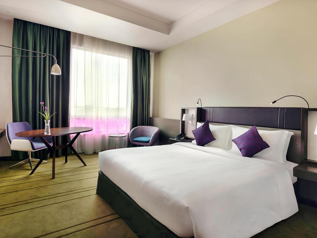 Deluxe Double Bed Non-Smoking - Bed Avangio Hotel Kota Kinabalu Managed by Accor