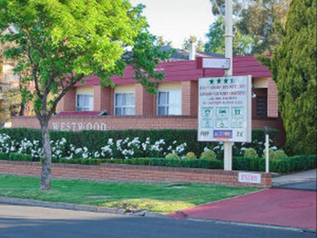 Acacia Motor Inn Armidale Hotels Australia Great Savings And Real Reviews