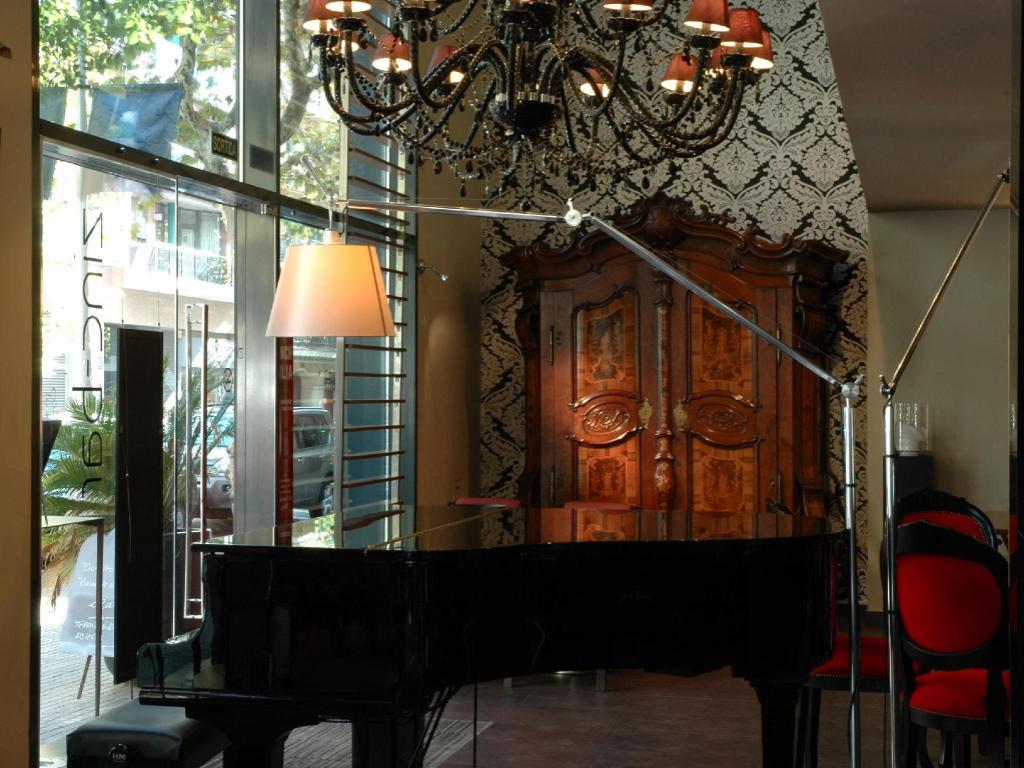 Villa Emilia Hotel In Barcelona Room Deals Photos Reviews