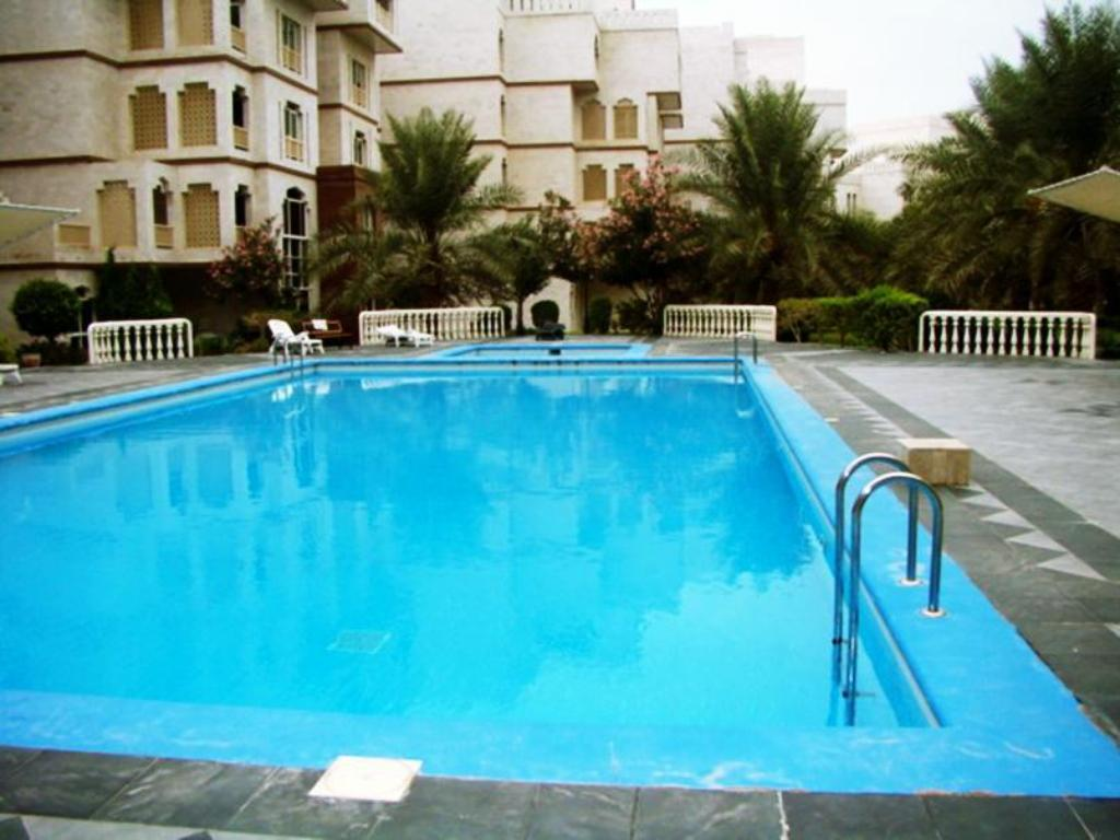Swimming pool Muscat Oasis Residences