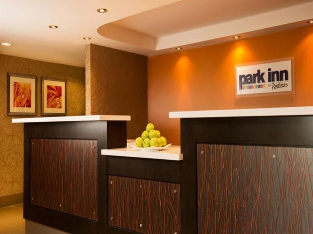 Park Inn by Radisson Toronto-Markham in Markham (ON) - Room