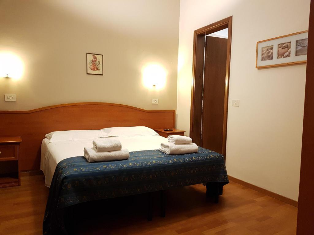 Best Price on Soggiorno Madrid in Florence + Reviews!