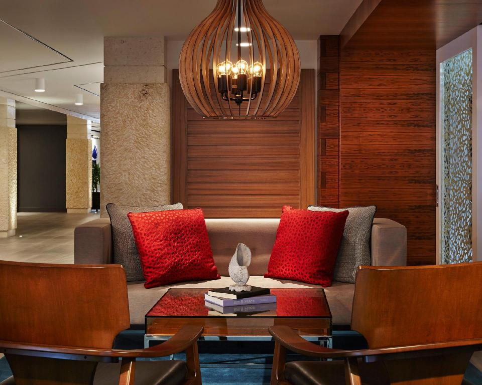 Lobby Waterstone Resort & Marina Boca Raton, Curio Collection by Hilton