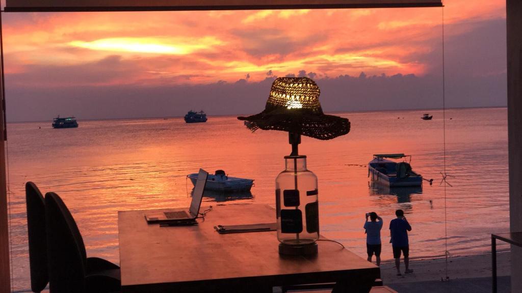 Blue Tao Beach Hotel In Koh Tao Room Deals Photos Reviews