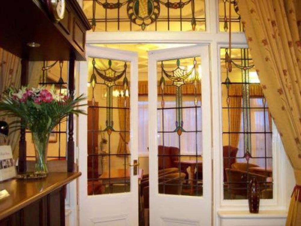 Heath Cottage Hotel Restaurant In Dewsbury Room Deals Photos Reviews