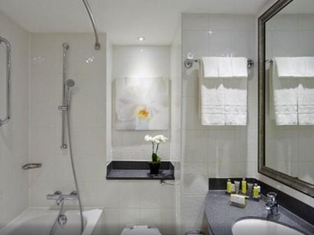 Executive Room, Executive lounge access, Guest room, 1 King London Marriott Hotel Marble Arch