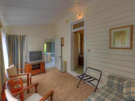 Family Suite Acacia Bed and Breakfast