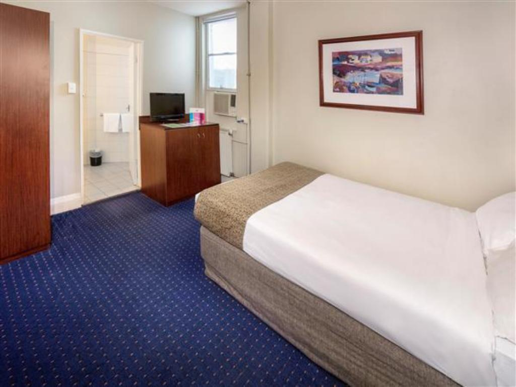 See all 30 photos ibis styles Kingsgate Hotel