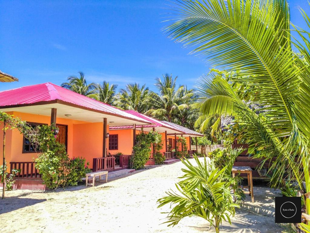 Share Room With Single Bed Beach Front Entire Bungalow