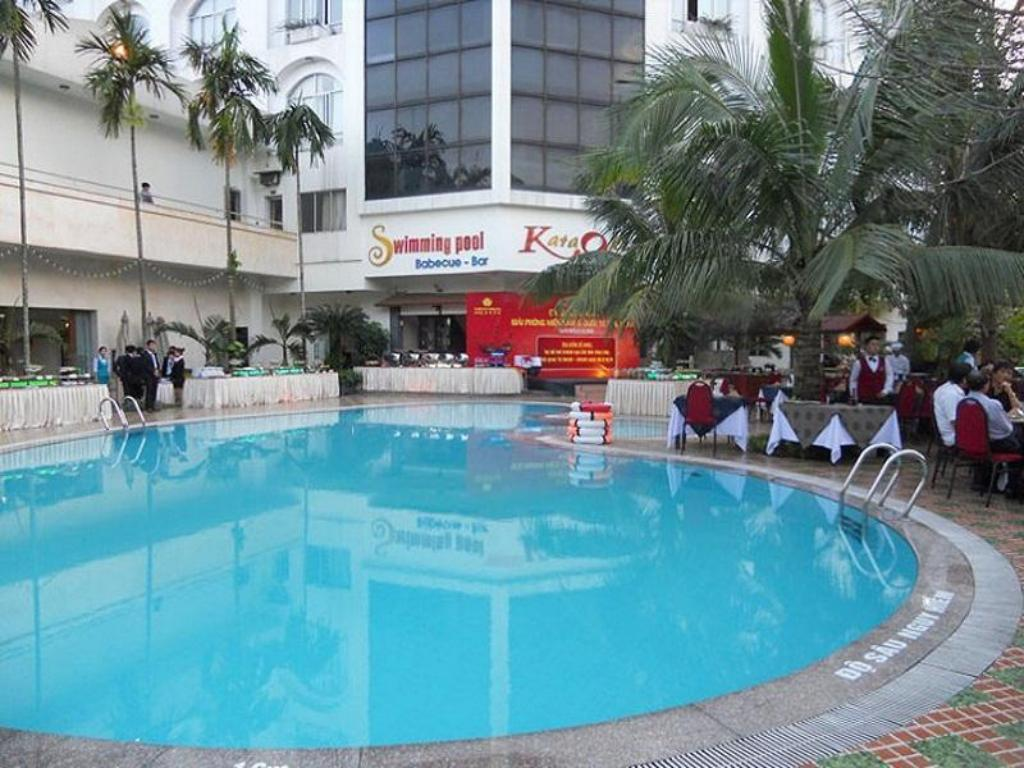 Swimming pool Saigon Kim Lien Hotel - Vinh City