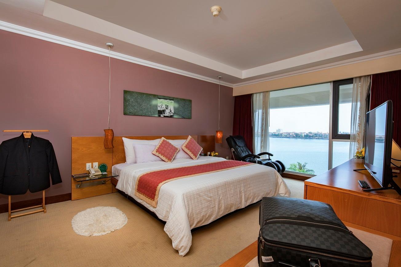 Executive Suite River View