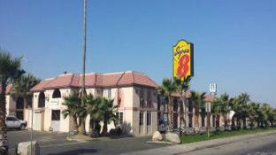 Super 8 By Wyndham Buttonwillow