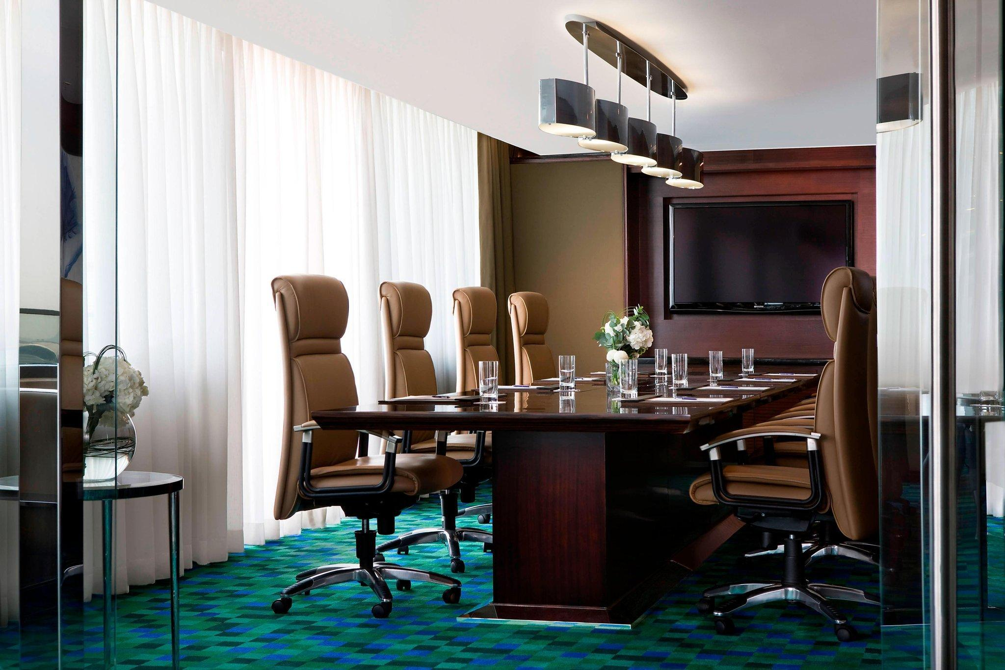 Vice Presidential Suite, Executive lounge access, 1 King
