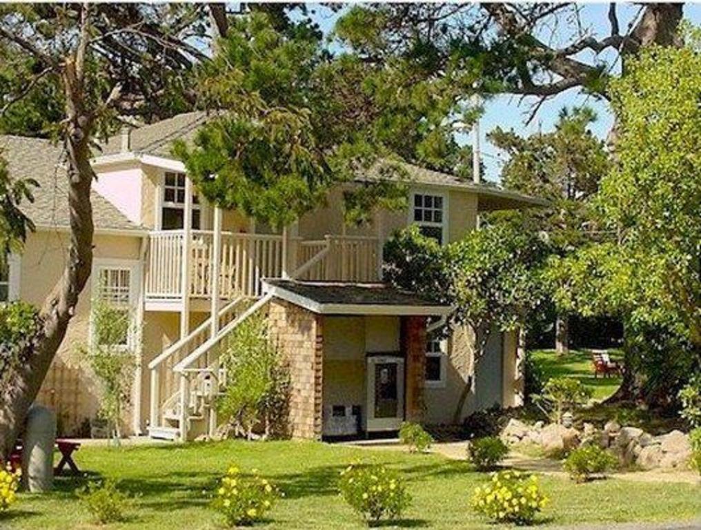 Strange Bide A Wee Inn And Cottages In Monterey Ca Room Deals Home Interior And Landscaping Ponolsignezvosmurscom