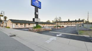 Americas Best Value Inn & Suites - Redding, CA
