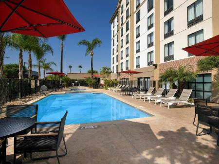 Swimming pool [outdoor] Hampton Inn and Suites LA Anaheim Garden Grove