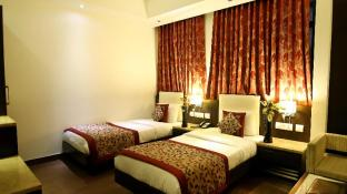The Prime Balaji Deluxe @ New Delhi Railway Station Hotel