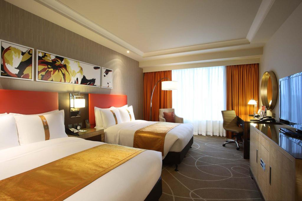 2 Double Superior Non-Smoking Holiday Inn Macao Cotai Central