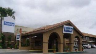 Travelodge by Wyndham Hemet CA