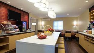 Hawthorn Suites by Wyndham Omaha-Old Mill