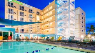 Holiday Inn Express & Suites Nassau