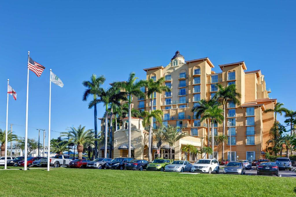 Exterior view Embassy Suites Hotel Miami International Airport